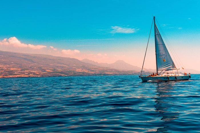 5 tips til sikker sejlads på ferien